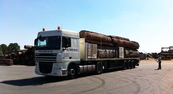 Peltier livraison des bois massifs ou planches en bois exotique, feuillus, résineux # Peltier Bois Nantes